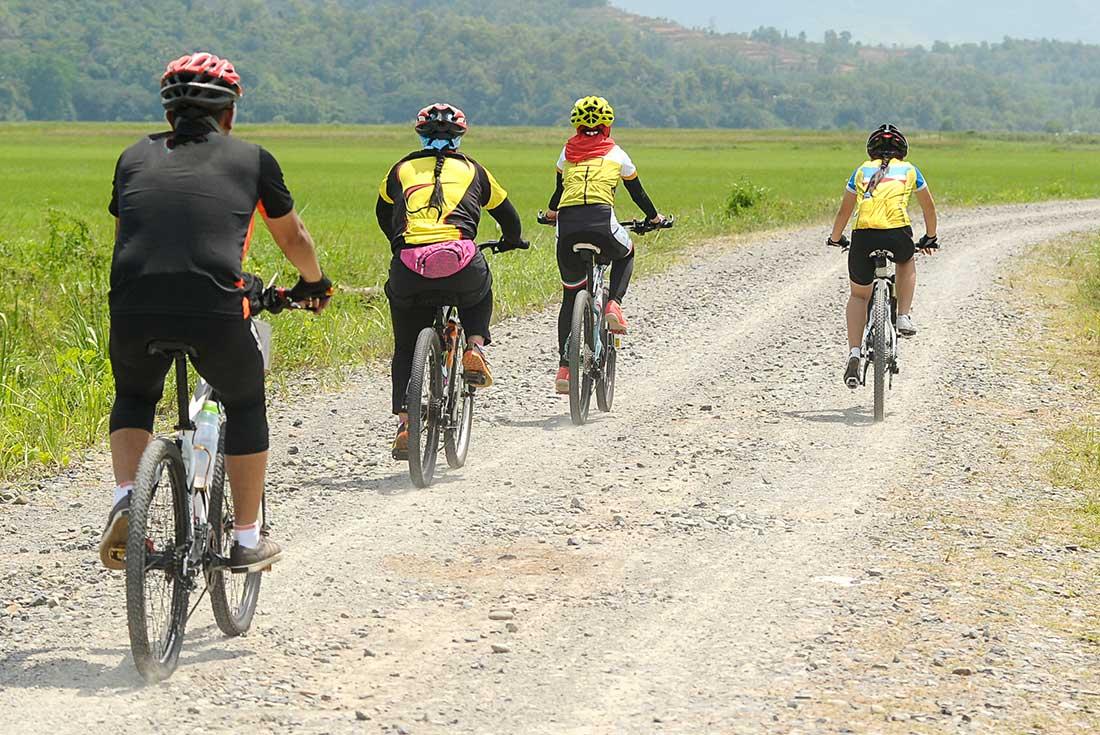 Borneo: Hike, Bike & Kayak 4