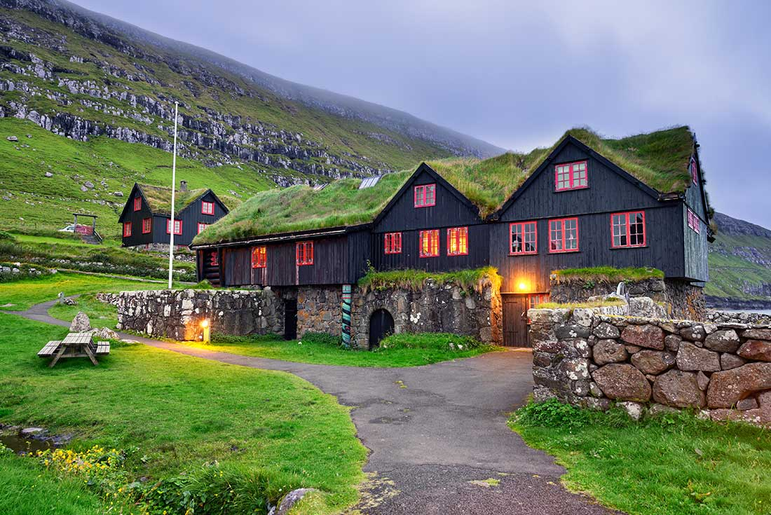 Exploring Spitsbergen via the Faroes and Jan Mayen 2