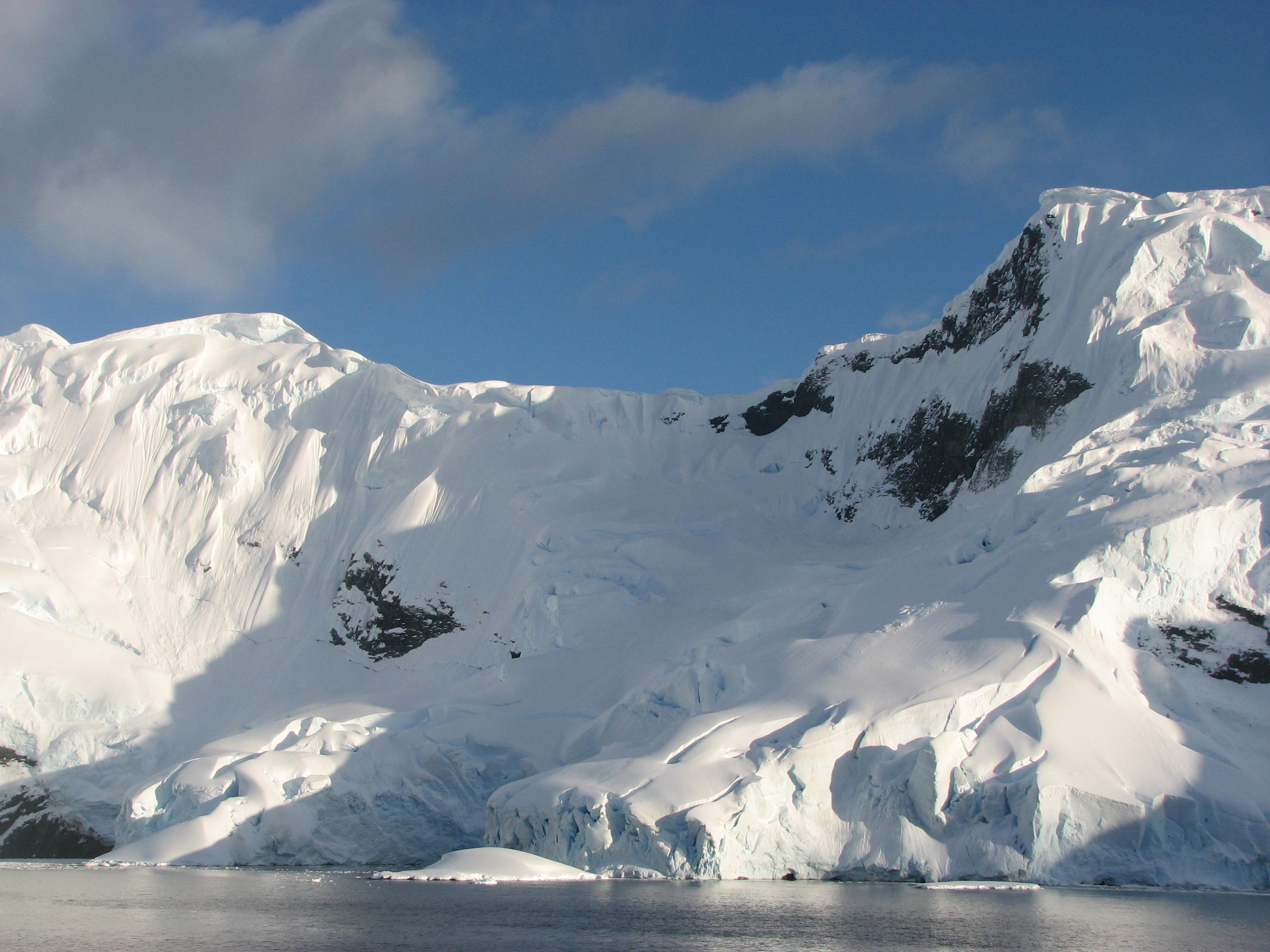 Antarctic Express - Crossing the Circle from Santiago 3