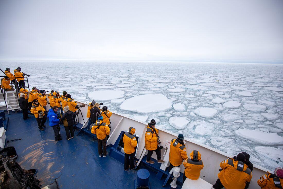 Exploring Spitsbergen via the Faroes and Jan Mayen 1
